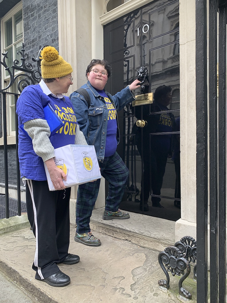 Martine Harding and Simone Aspis knock on the door of 10 Downing Street